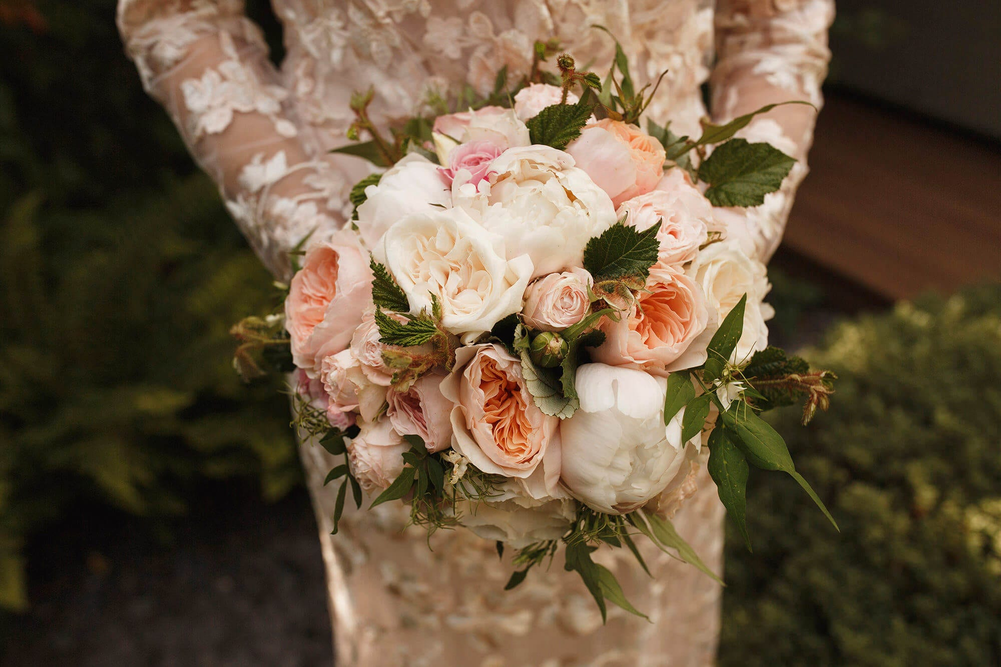 Wedding flowers in the cotswolds