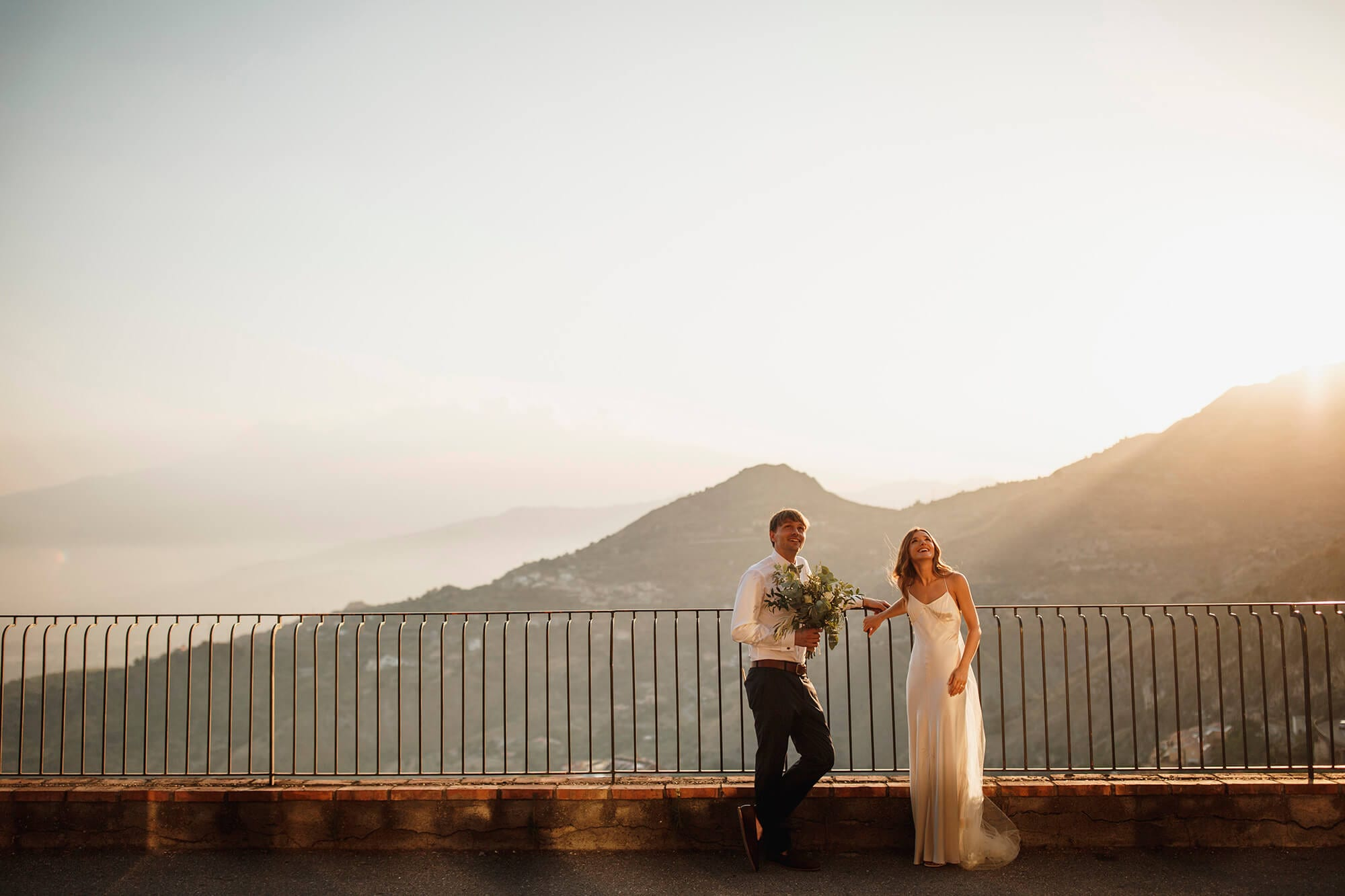 pros and cons of destination weddings